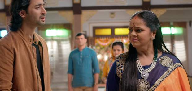 Yeh Rishtey Hai Pyaar Ke Written Update 4th November 2019:Abir hurts Meenakshi