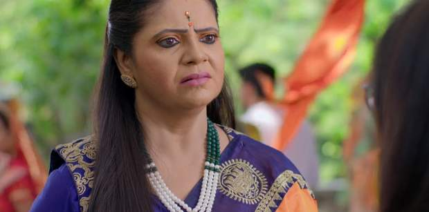 Yeh Rishtey Hai Pyaar Ke Written Update 5th November 2019: Meenakshi's request