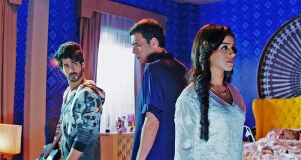 Yeh Hai Chahatein Spoilers: Rudraksh to go against Balraj, brings Preesha home