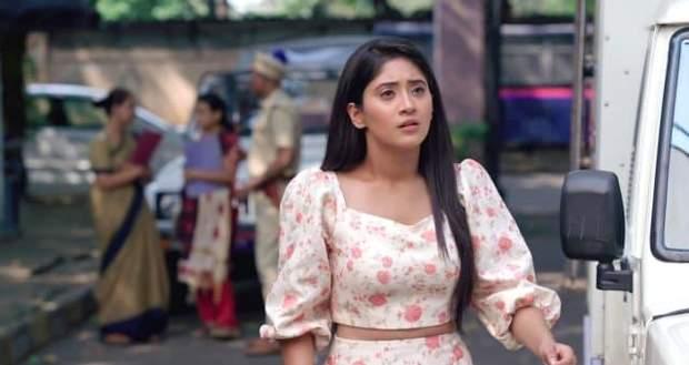 Yeh Rishta Kya Kehlata Hai Gossip: Naira to fall off the stairs?