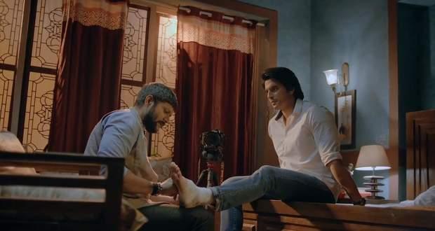 Imli 24th November 2020 Written Update: Satyakaam shares his past with Aditya