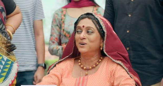 Pandya Store: Suman reaches at Haveli with Prafulla and Anita